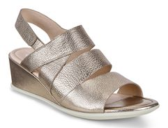 SHAPE 35 WEDGE SANDAL